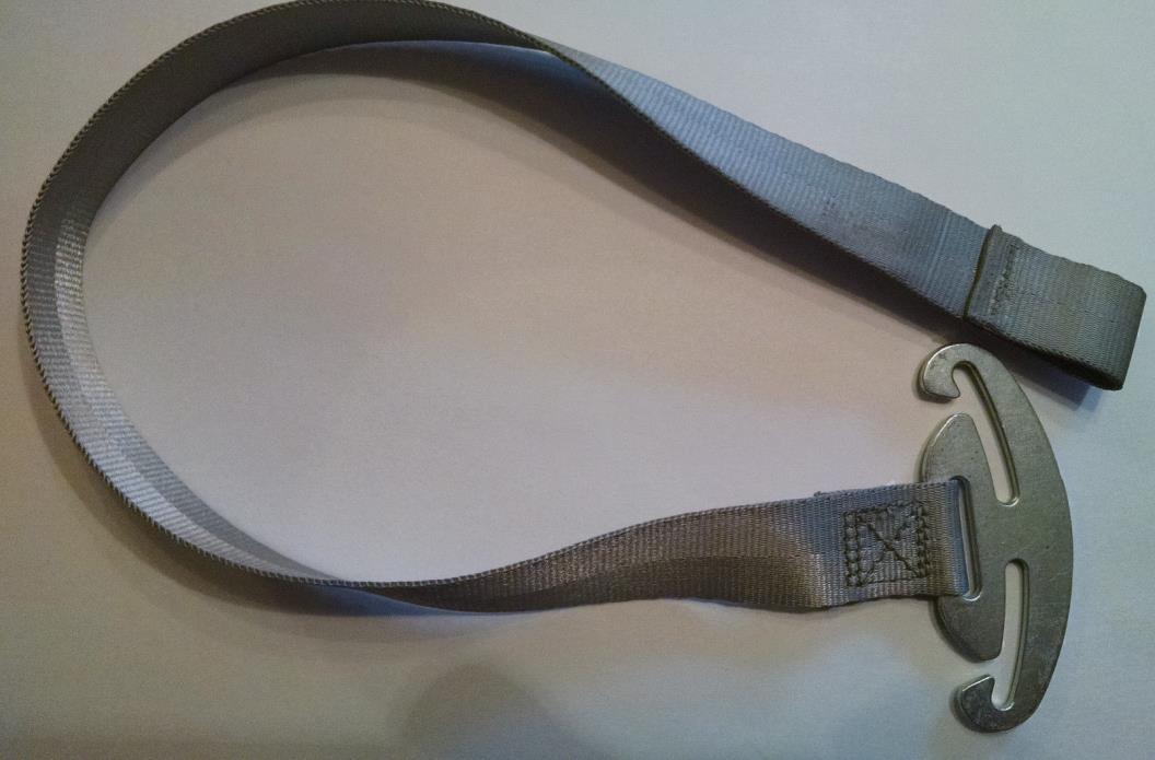 Gray Graco Snugride Click Connect 30/35  Harness Rear Metal Belt Strap Clip