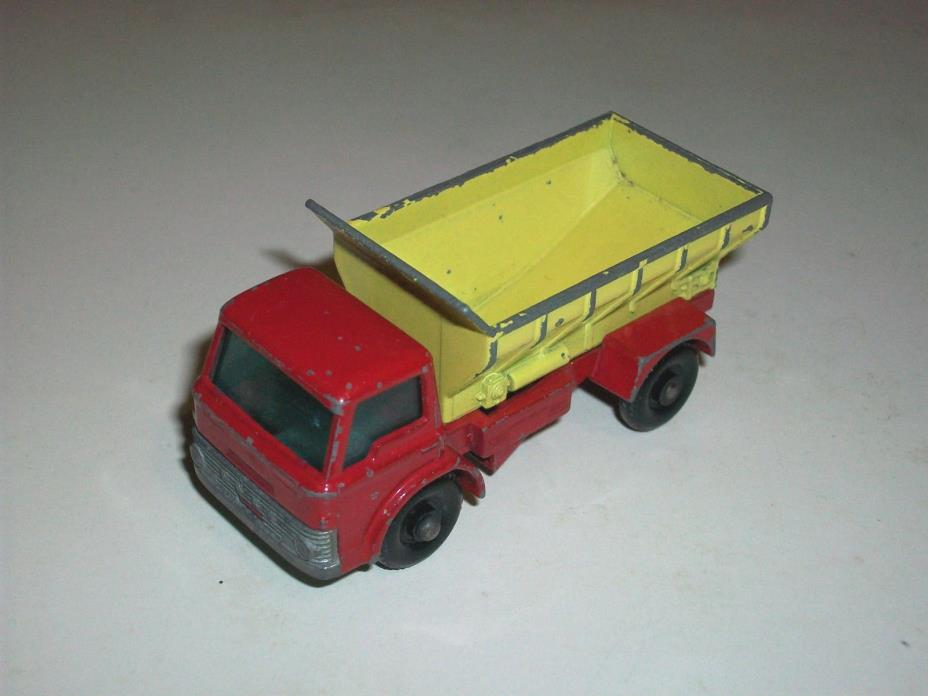 #### VINTAGE LESNEY MATCHBOX NO. 70 GRIT SPREADING FORD TRUCK MADE IN ENGLAND