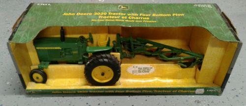 1/16 Ertl Farm Toy  John Deere 3020 Tractor/4 Bottom Plow