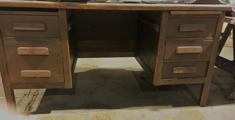 Oak Teachers Desk - For Sale Classifieds