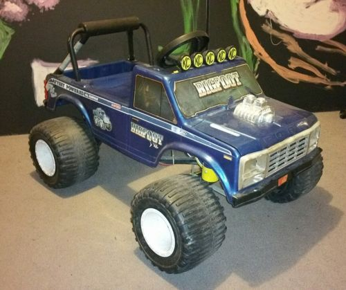 Vintage 1987 BIGFOOT 4X4X4 Power Wheels great condition Ford Truck Traxxas RC