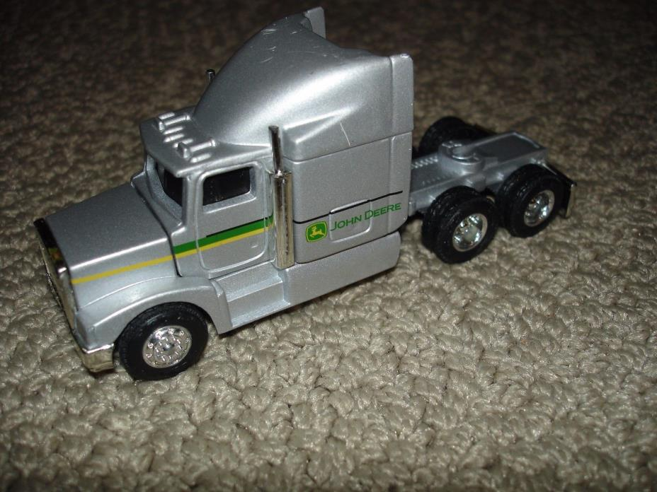 Ertl 1/64 John Deere  Semi-Tractor Truck