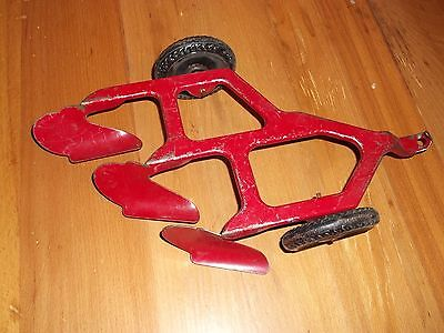 VINTAGE MARX FARM TOY TRACTOR 3 BOTTOM PLOW