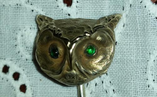 Antique Victorian Golden Brass Owl Bird Stone Eyes Stick Hat Lapel Tie Scarf