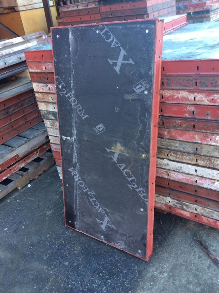 Symons Concrete Wall Form Steel-Ply Panel 4 ft x 2 ft
