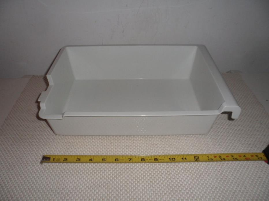 Sub Zero ice maker tray used