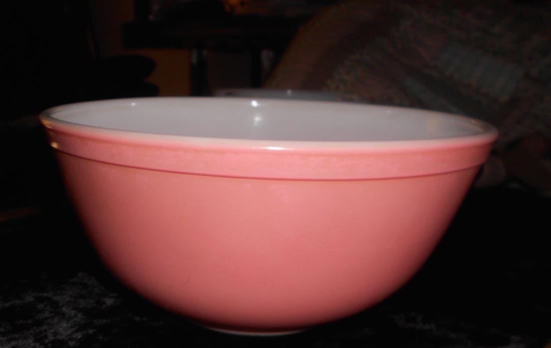 Vintage Pyrex Pink Nesting Bowl 403