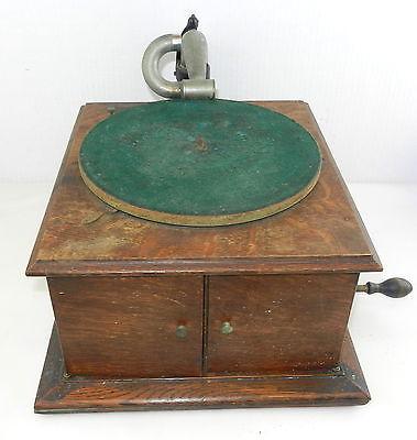 Victor Talking Machine VV-IV Victrola PHONOGRAPH / RECORD PLAYER ~ Oak Case