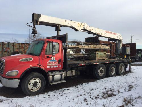 2005 Freightliner Heavy Spec Concrete Form Boom Truck.