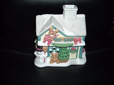 RETIRED PARTYLITE TOY SHOP TEALIGHT HOUSE