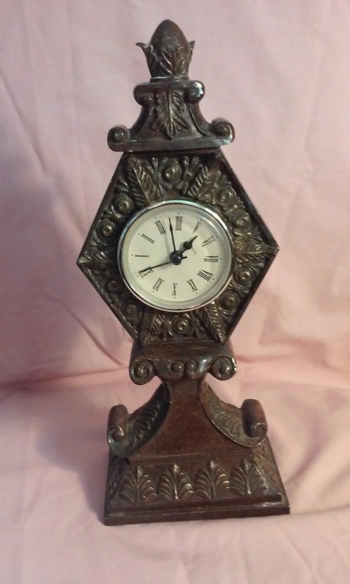 vintage clocks collectibles wall deco 2  in a lot