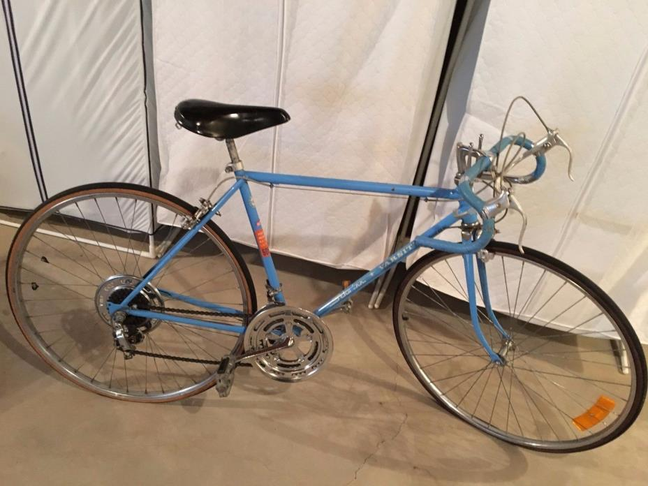 SCHWINN VARSITY, MENS ,10 SPEED 27 INCH BIKE