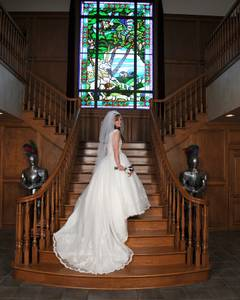 Ivory wedding dress, with lace and shoulder straps Size 12 (San Antoino)