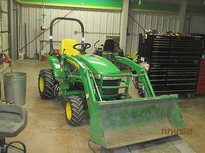 2009 John Deere 2305 Tractors