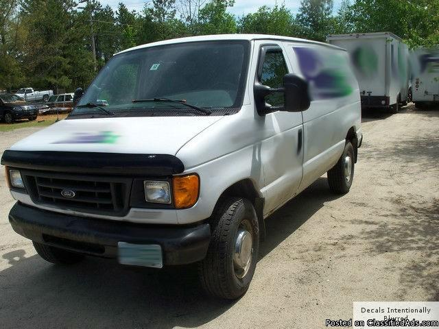 2004 Ford E250 Cargo Van, 4.8 L V8