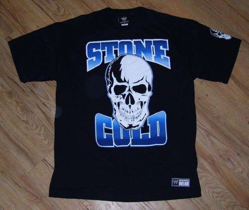 Stone Cold Steve Austin Stomping mud holes Since 1995 WWE T-shirt men's-Large