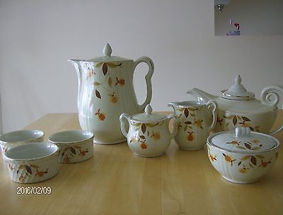 Vintage Hall's Superior Kitchenware Autumn Leaf 8 pieces