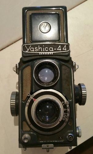 VINTAGE YASHICA -44 TWIN LENS REFLEX 127 FILM CAMERA