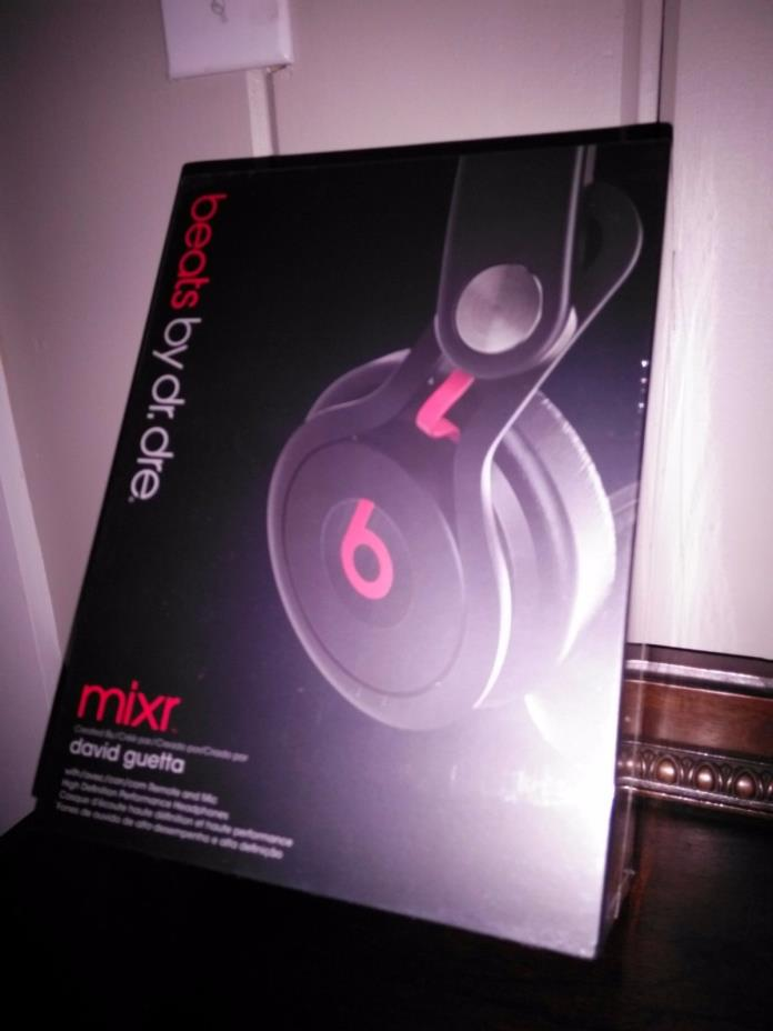 NEW SEALED IN BOX: beats by dr. dre mixer High Def Performance Headphones black