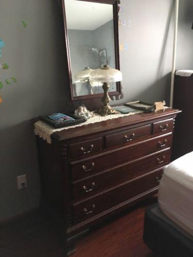Antique Queen Anne Bedroom Set