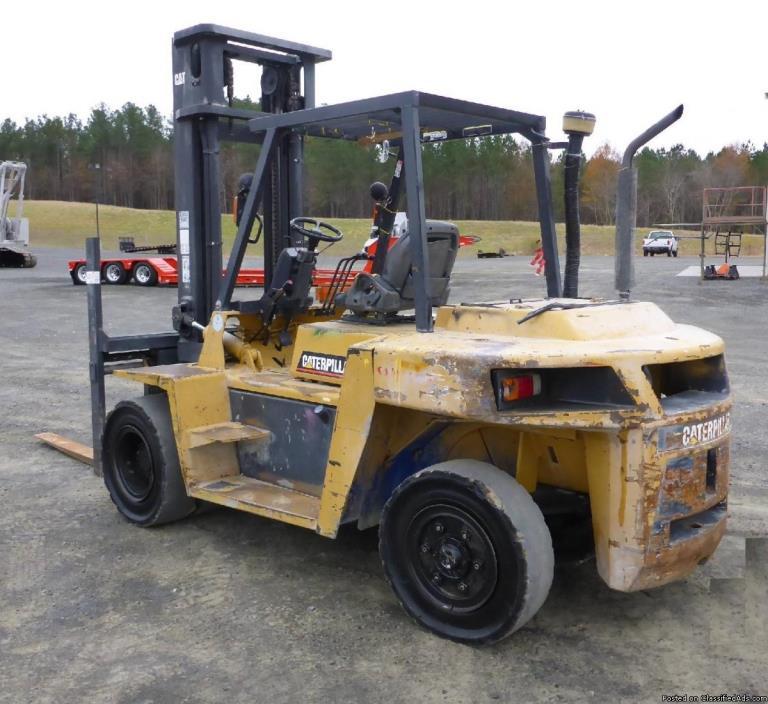 2007 - Caterpillar DP70K 15000 Lb Forklift