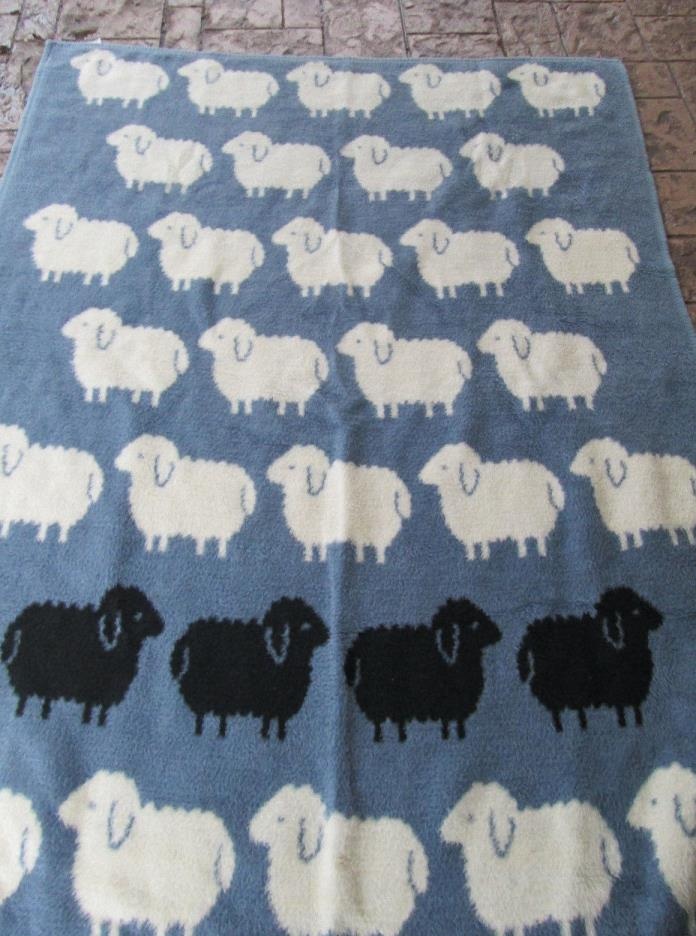 VTG Vuteks Crown Crafts BLACK SHEEP  Blue / White Acrylic Blanket 60