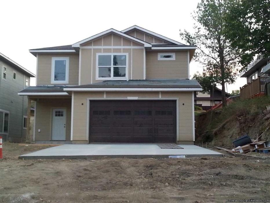 Newly built 3 bdrm 3 bath home in Minot ND