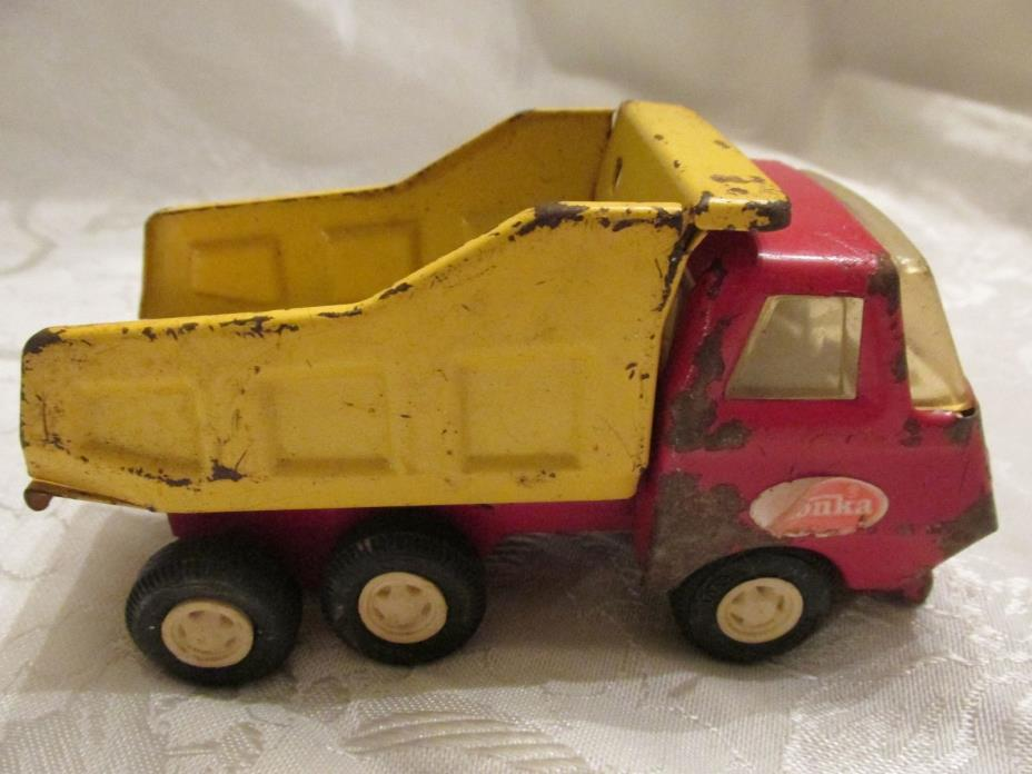 Vintage 1950's metal Tonka dump truck