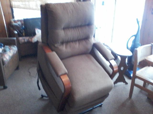 Power Reclining Lift Chair