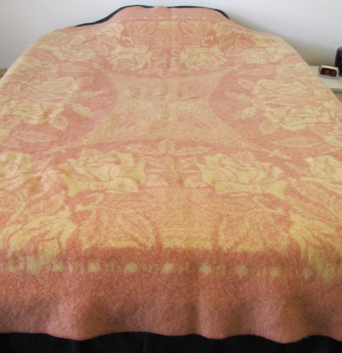 Vintage Golden Dawn Wool Blanket Pink & Cream Reversible