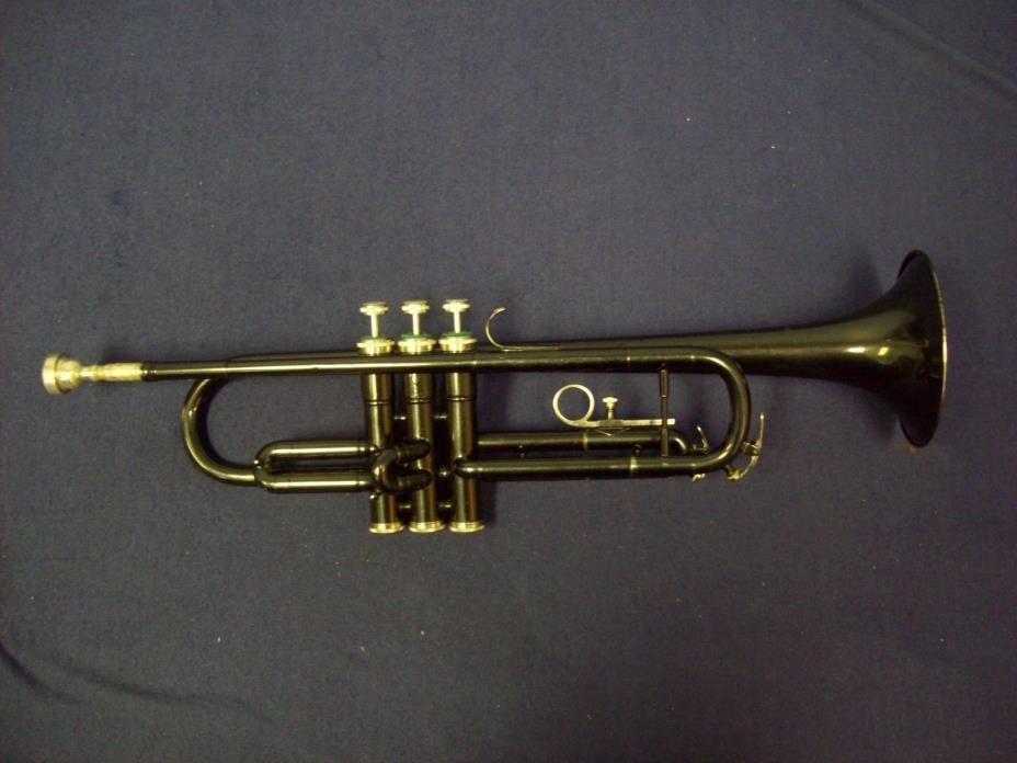 MONIQUE BLACK TRUMPET + 7C MOUTHPIECE + CASE