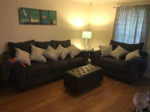 Sofa and oversized chair (Beaumont, Tx)