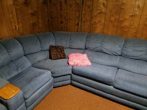 Sectional Sofa w/pull out bed and recliner