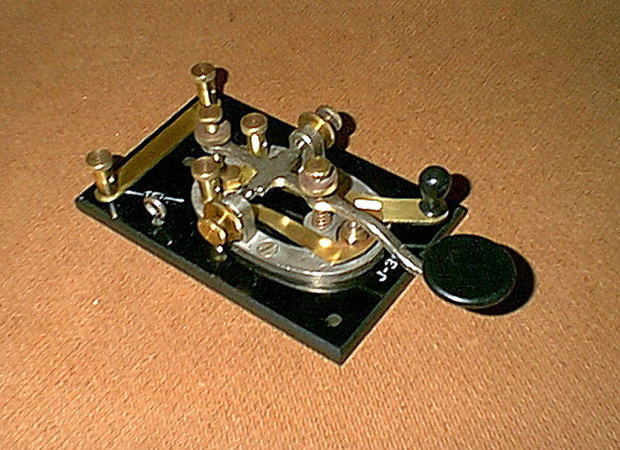 Nice WWII Vintage J-38 HAM RADIO TELEGRAPH KEY - clean, shiny and ready to use