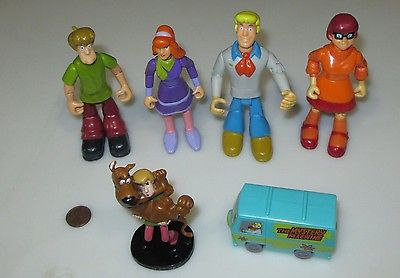 LOT OF 6 SCOOBY DOO ACTION FIGURES