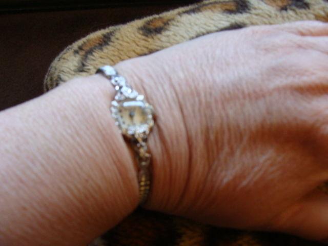 Bulova Watch 14K Diamonds 23 jewels Ladies 1950s