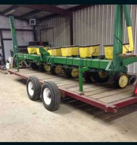 John Deer 6 Row planter (Van, Texas)