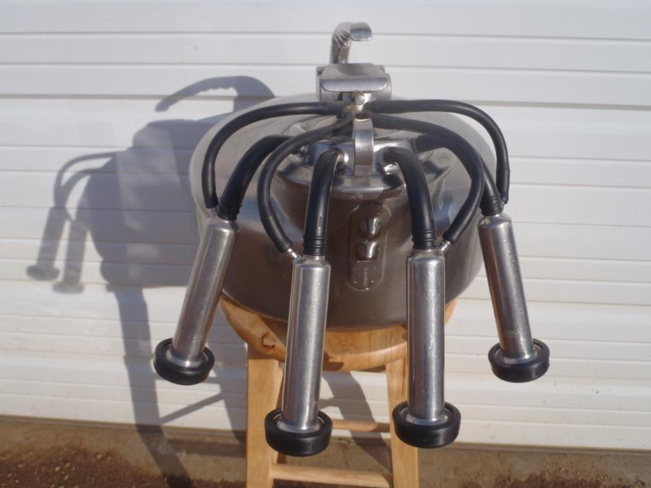 SURGE MILKER FOR MILKING GOATS,JERSEY COW,SHEEP,REBUILT,READY TO USE,NEW RUBBER