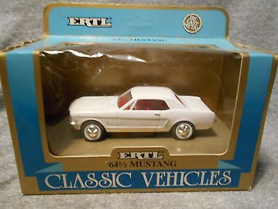 ERTL 1964 1/2 Ford Mustang 1:43 Scale MIB
