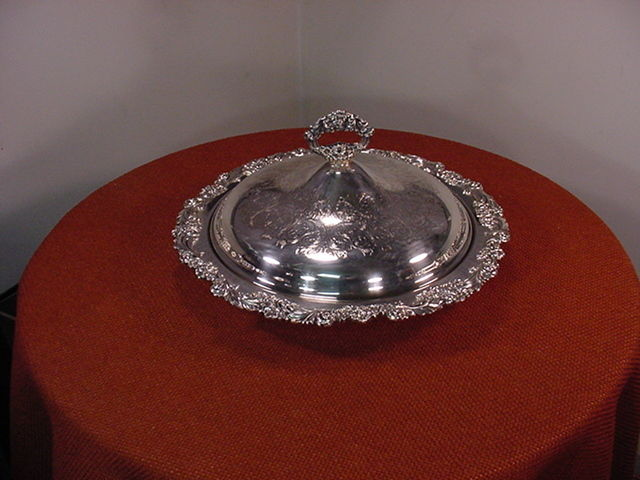 Reed & Barton Burgundy #2304 Silverplate Platter Bowl with lid