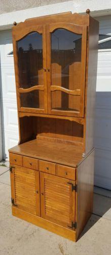 Vintage Ethan Allen Nutmeg Corner China Crystal Cabinet 78