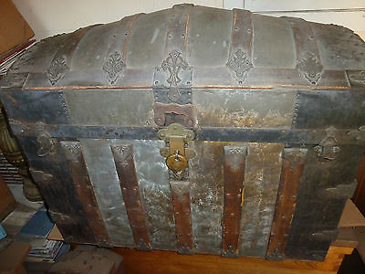 antique trunk camel back