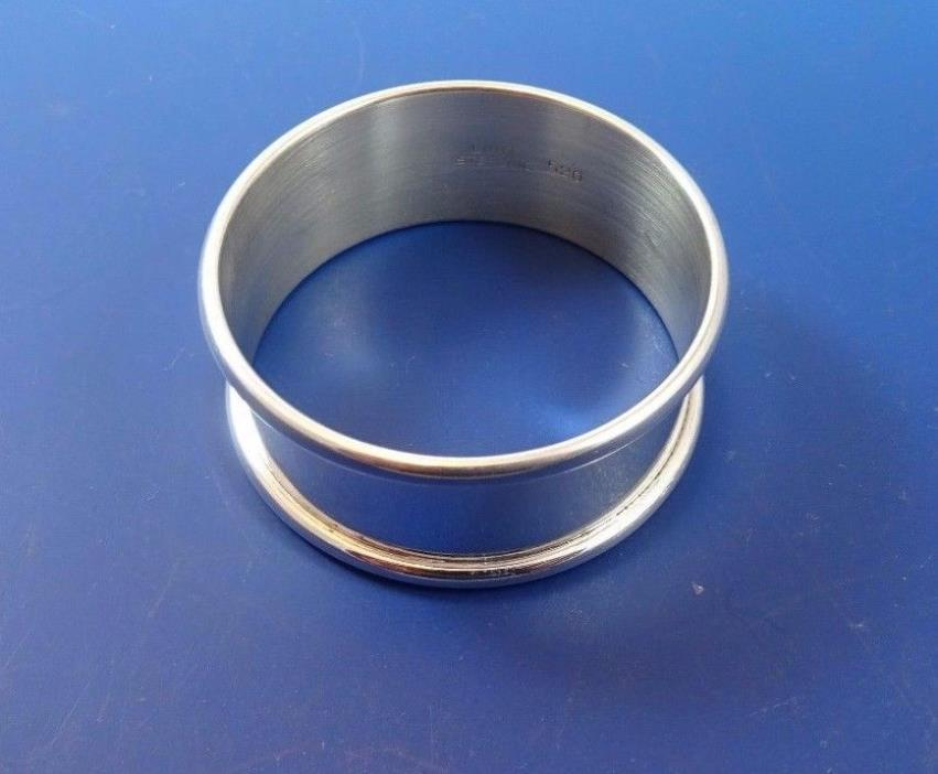 Lunt Sterling Silver Napkin Ring   (#1060)