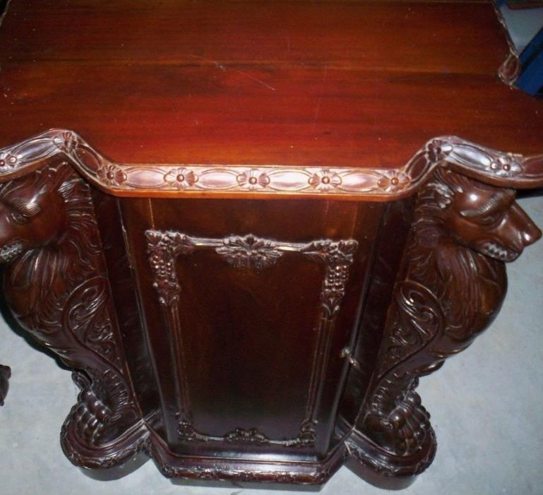 Mahogany Wood chest / night stand on this Outstanding an Indonosia Chippendale