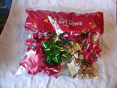 14 Berwick peel-n-stick Gift Bows 2 sizes new in bag green red gold made in USA