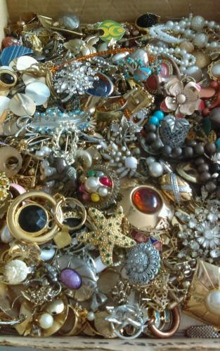 LARGE LOT COSTUME JEWELRY REPAIR REPURPOSE 10+ LBS UNSEARCHED
