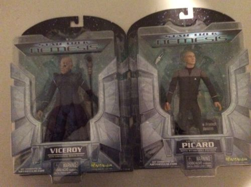 Star Trek Nemesis- Set Of 2 Capt. Jean-Luc Picard And Victory Figures