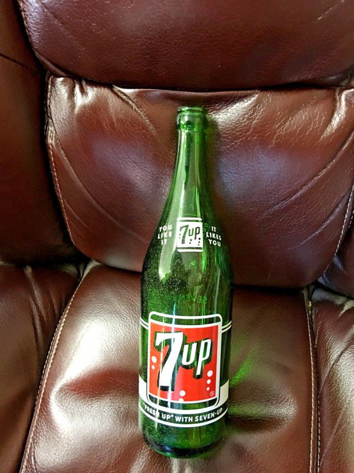 BS3 Vintage 7 UP green glass bottle 1 Pint 12 FL. OZ. Duraglas 12