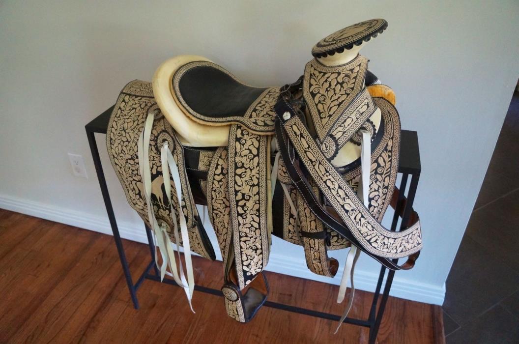 Handmade Piteado Saddle