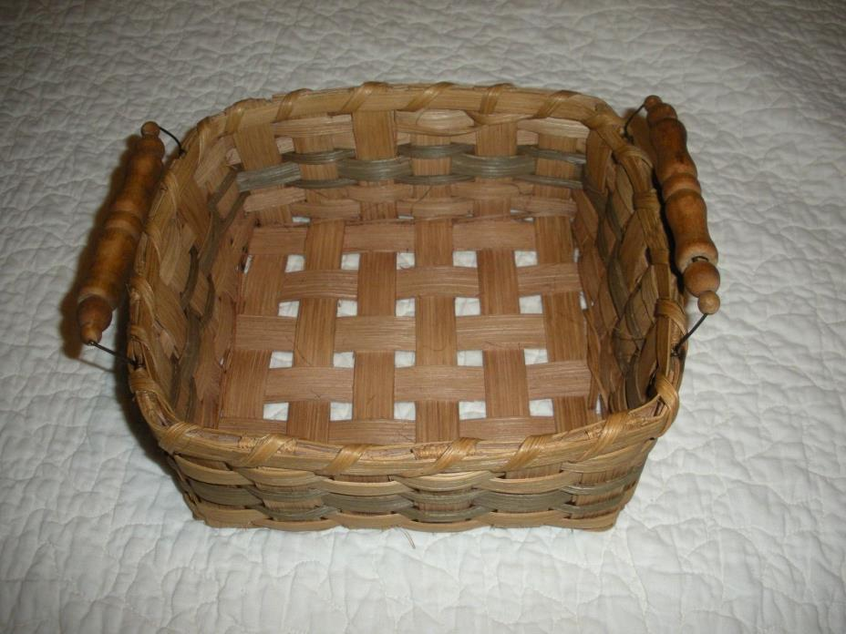 1 NEW HANDMADE HAND WOVEN NAPKIN BASKET WITH WIRE AND WOOD HANDLE